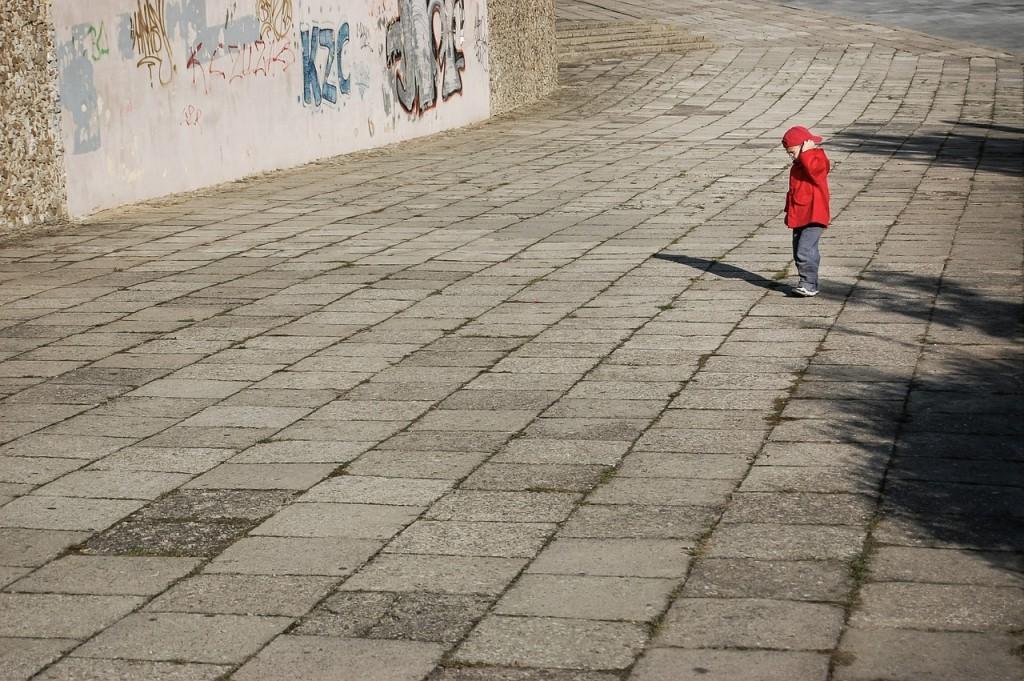 Napačne besede otroku škodujejo - izogibajte se jih