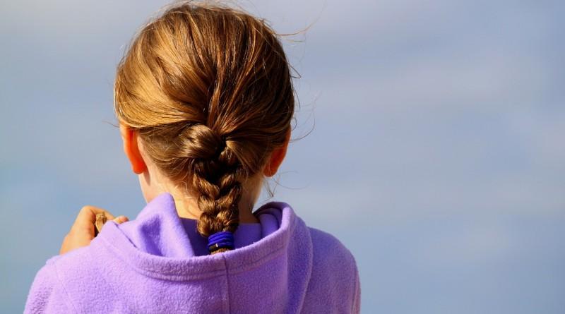 Video: Deset čudovitih frizur za naše dolgolase punce