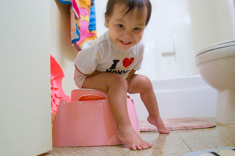 Kako uspešno odvaditi otroka od plenic?