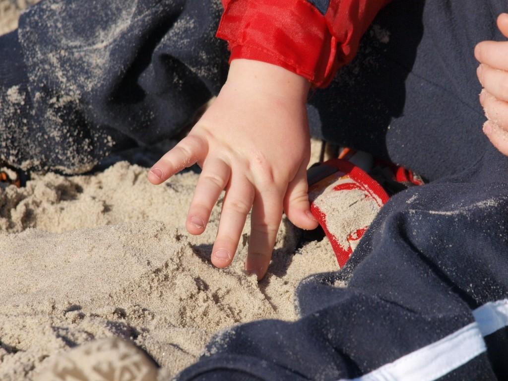 odlicni-razlogi-zakaj-odpeljati-vasega-otroka-na-morje