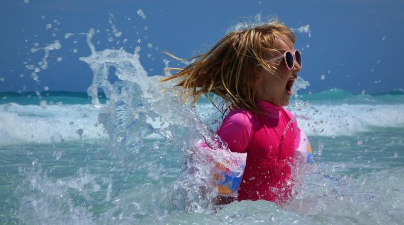 Ali otroci potrebujejo sončna očala?