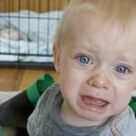 Zakaj dojenček joka? Pusti ga, naj joka.