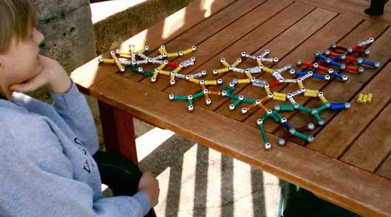 Moj otrok ima v razredu avtista - aspergerjev sindrom