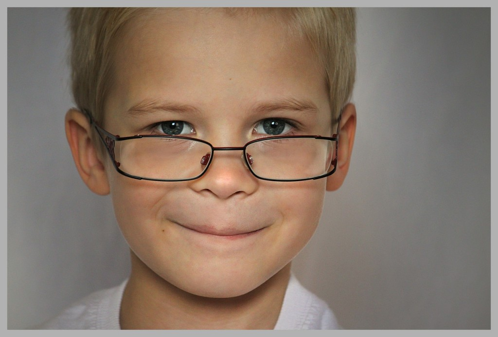 Starši lahko preprečimo, da otrok razvije kratkovidnost.
