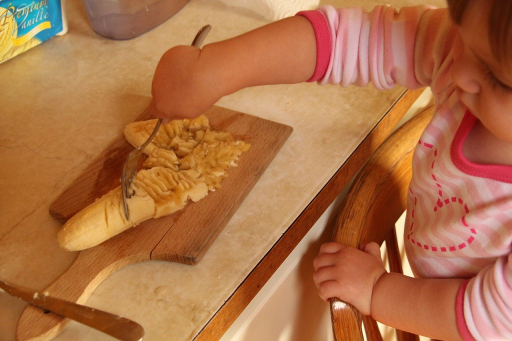 Z otrokom specite mandljeve piškote s kvinojo in brez jajc