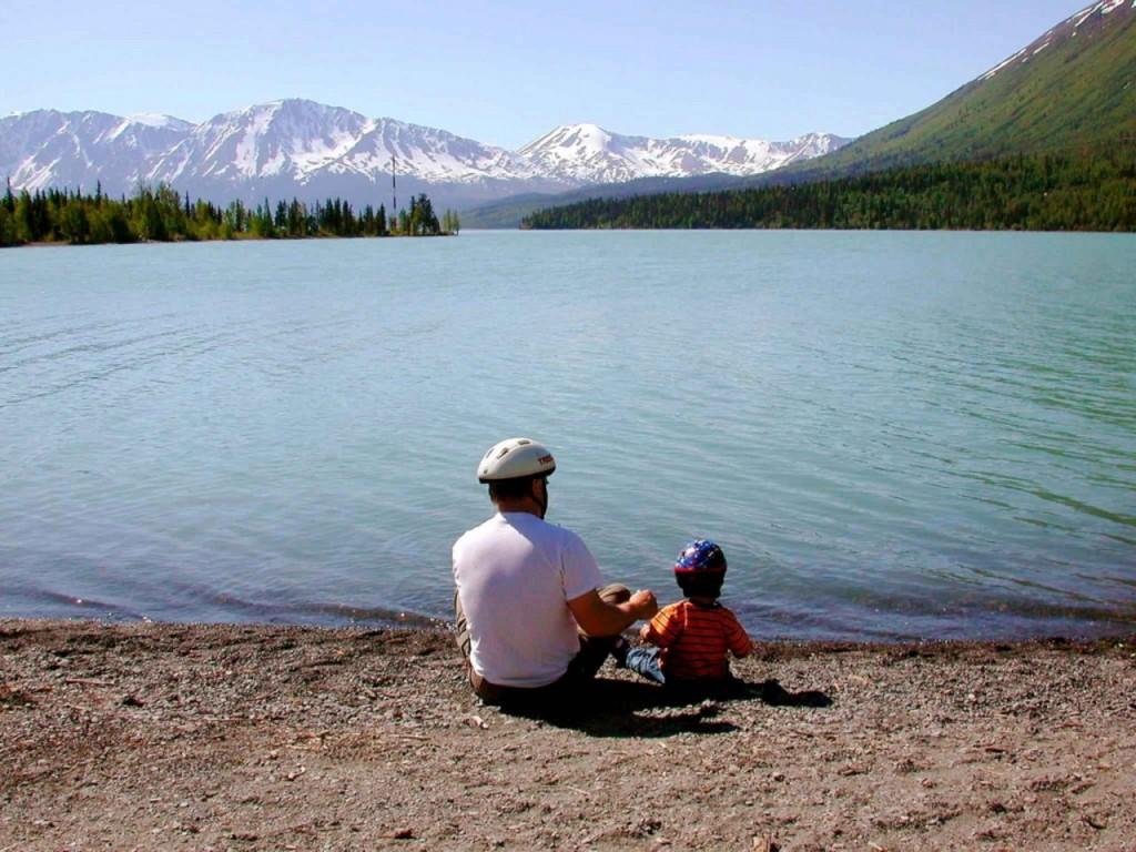 zakaj-bi-planinarjenje-morali-uvesti-v-osnovne-sole-kot-predmet-ali-vsaj-kot-redno-druzinsko-aktivnost-pri-vzgoji-otrok-1