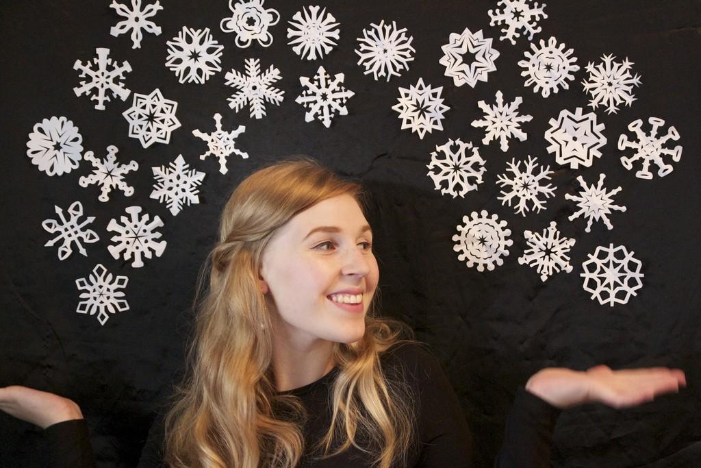 Kako naredimo snežinke iz papirja - šest video idej