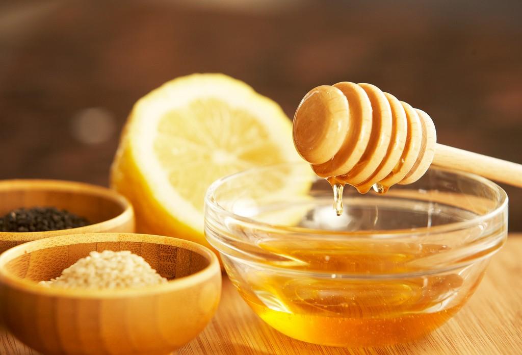 Maželj - naravno zdravljenje - med in limona