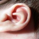 Ušesno maslo – kako čistimo ušesa otrokom