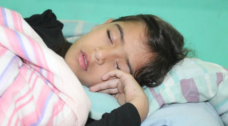 Nočna enureza (nočno močenje postelje) - vzroki in zdravljenje