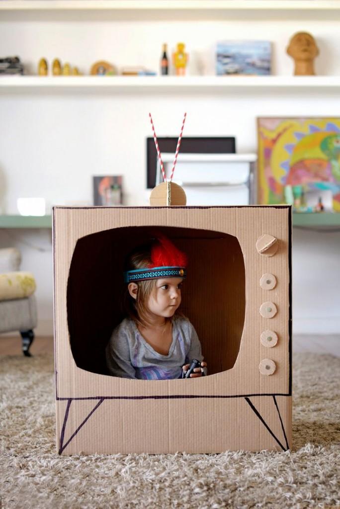 tv-iz-kartona