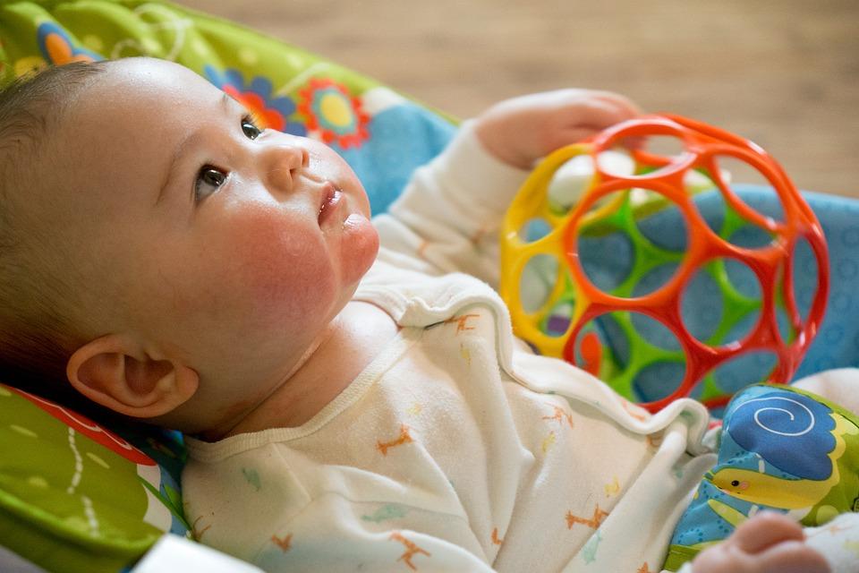 Ne posedajte dojenčka prezgodaj