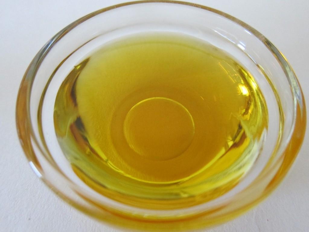 Olje čajevca – cela lekarna v samo eni steklenički