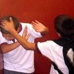 Prijaviti medvrstniško nasilje v šoli ali ne?