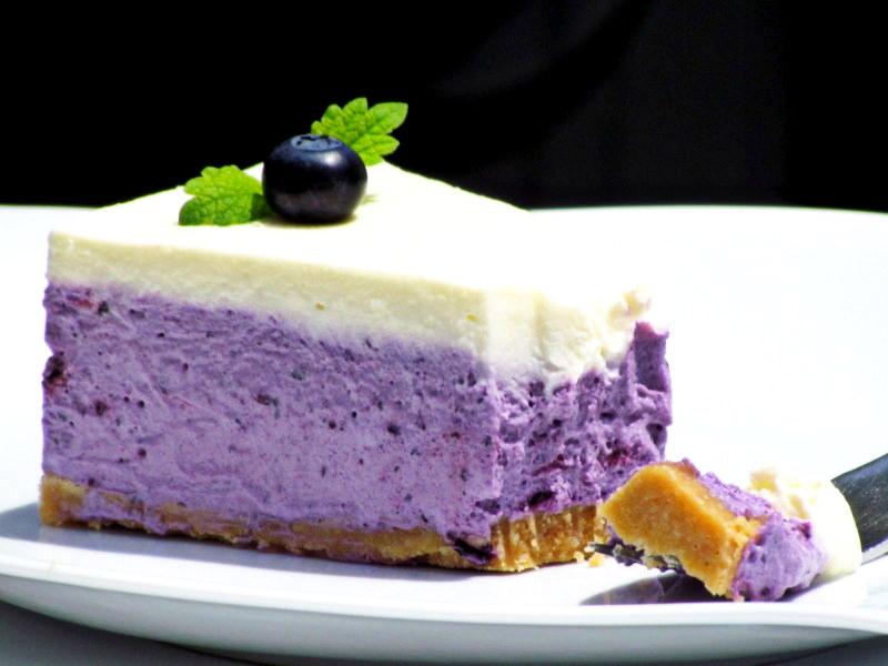 1-borovniceva-torta-brez-pecenja-12 – kopija
