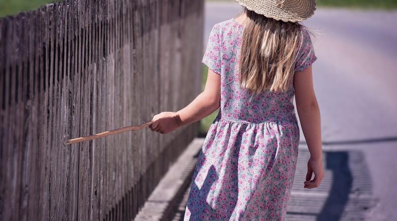 Kdaj otroku dovoliti, da si sam izbere oblačila?