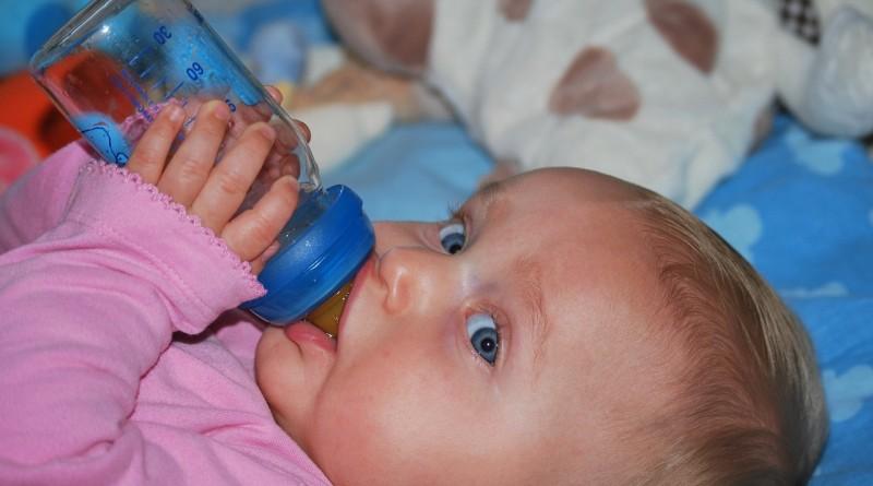 Koliko vode potrebujejo dojenčki