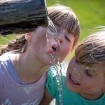 Koliko vode potrebujejo otroci?