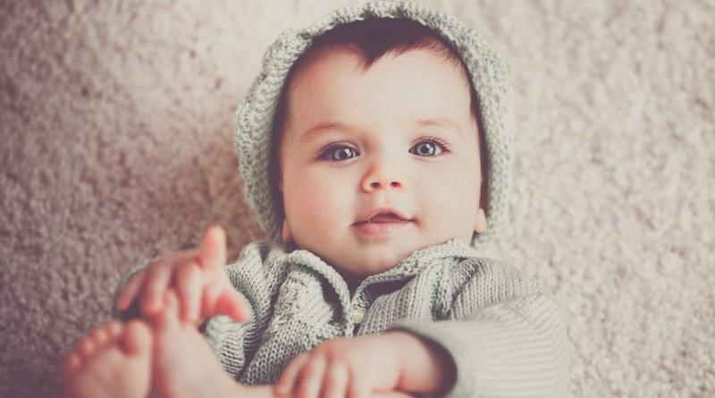 Razvoj dojenčka v četrtem mesecu