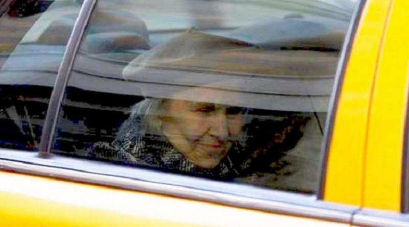 Taksist in starka - zgodba o potrpežljivosti
