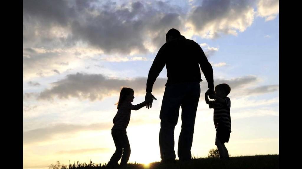 Ali obstaja razlika med očetom in tatijem