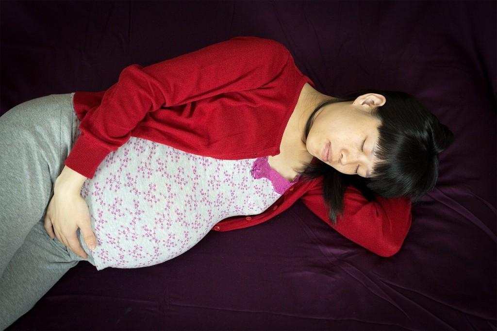 Porod doma - prednosti in slabosti