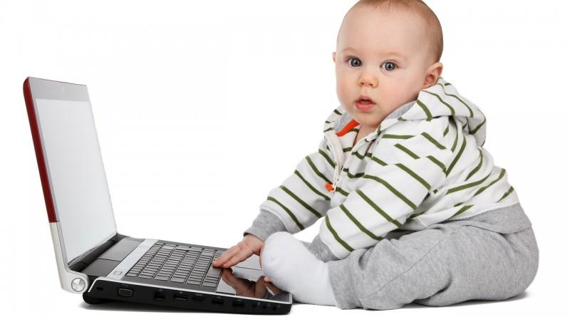 Razvoj dojenčka v petem mesecu