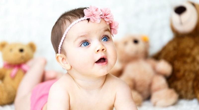 Razvoj dojenčka v sedmem mesecu