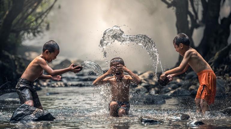 Kako vzgojiti srečne, odgovorne in zdrave otroke