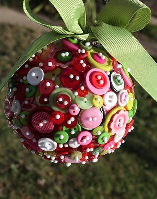 Kreativne novoletne ideje z gumbi