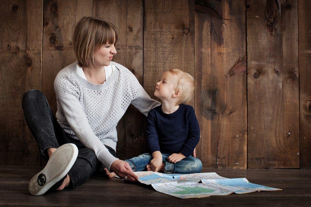 Ne poskušajmo otrok obvarovati pred vsakim neugodjem