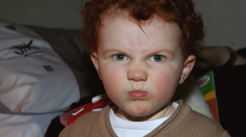 Ne boksaj blazine: 10 načinov, kako pomiriti jeznega otroka