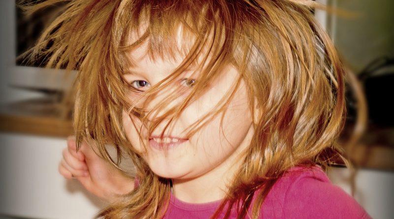 Štiriletnik ima izpade zaradi »trapastih stvari« Kako potrpežljivi naj bodo njegovi starši?