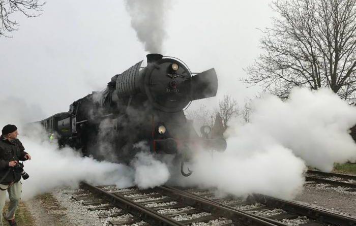 Pravljični vlak z Božičkom