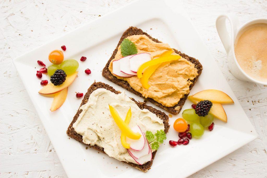 Otroški zajtrk - kaj na krožnik za dober začetek dneva?
