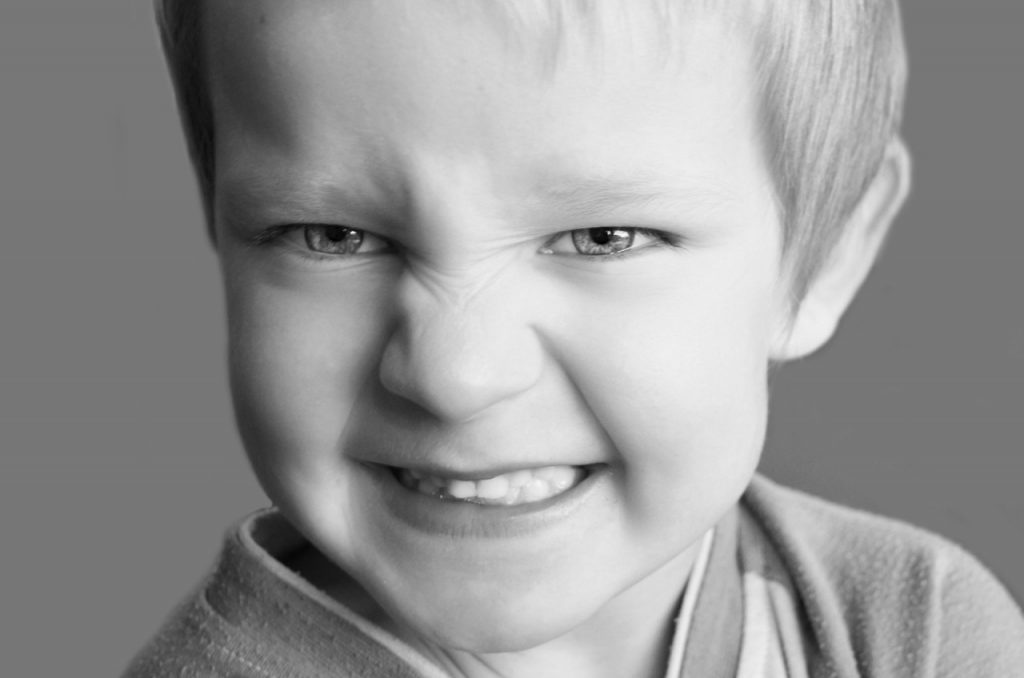 Zakaj je pomembno, da otrokom dovolimo čutiti jezo