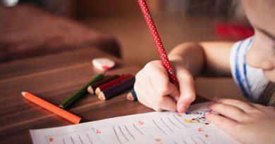 Kako zdravo podpirati otroke pri učenju … in dati veljavo tudi učiteljem
