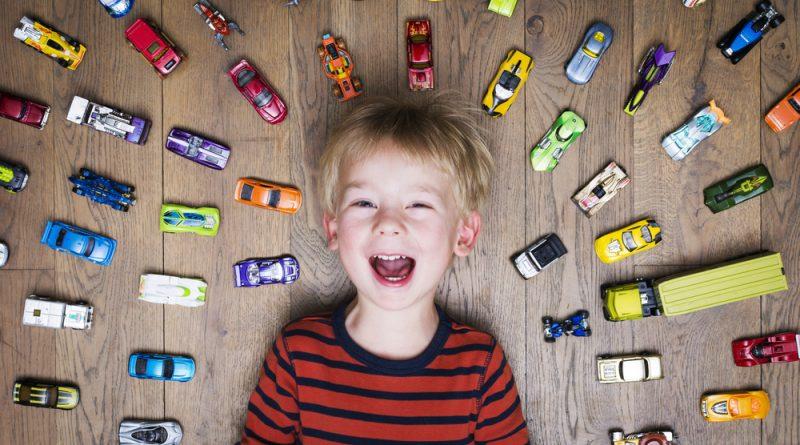 Zakaj je dobro, da je otroku kdaj dolgčas?