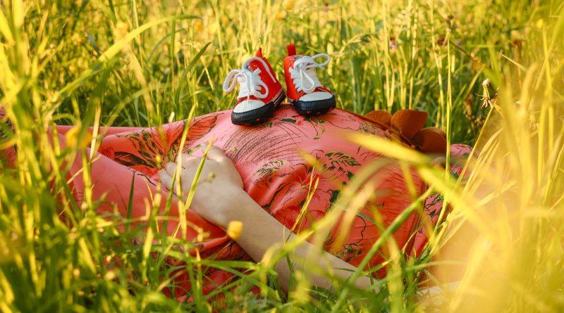 Nosečniški hormoni nam lahko v nosečnosti pošteno zagodejo