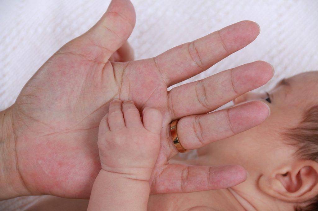 Odpovejte se pogostim obiskom po porodu