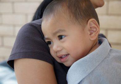 5 besed in besednih zvez, s katerimi lahko pomagaš otroku v stiski