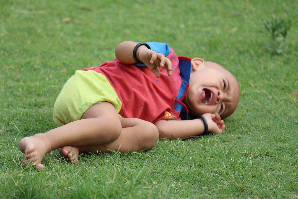 Otroški jok - Katera je največja napaka, ki jo ob joku in otrokovem kričanju naredimo starši