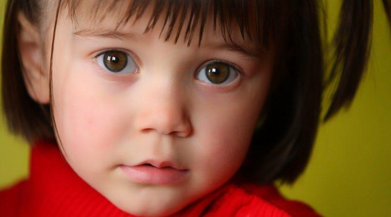 Svojega otroka vzgajam brez religije. Brez skrbi, ne bo postal slaba oseba