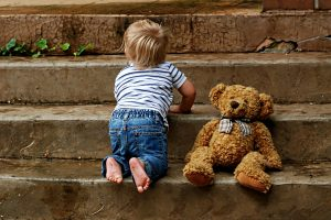 Zakaj otroci pogosteje zbolevajo kot odrasli