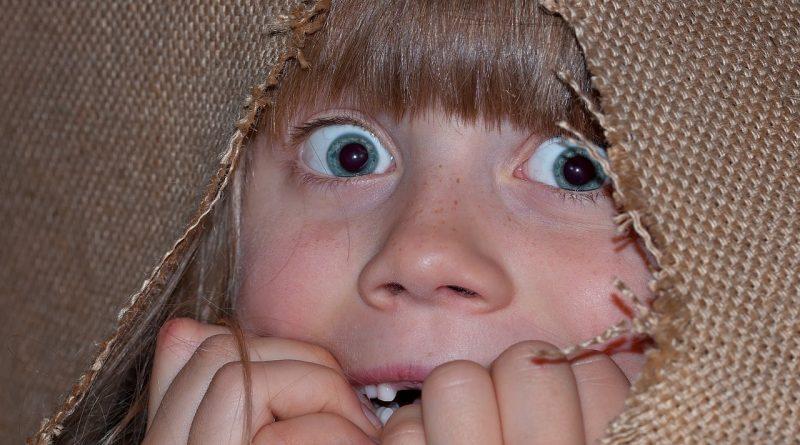 5 razlogov, zakaj vpitje dolgoročno škoduje otrokom
