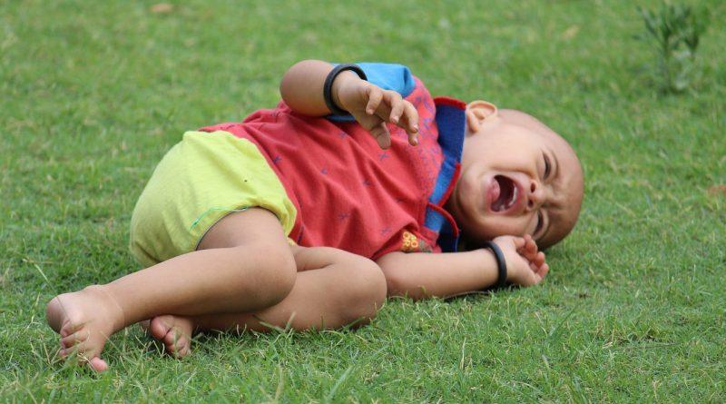 Kako starši prekinjamo jok pri otrocih in napačna pričakovanja