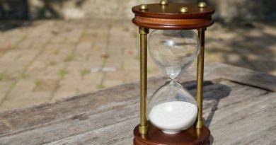 Ali lahko peščena ura pomaga otroku pri domačih nalogah?