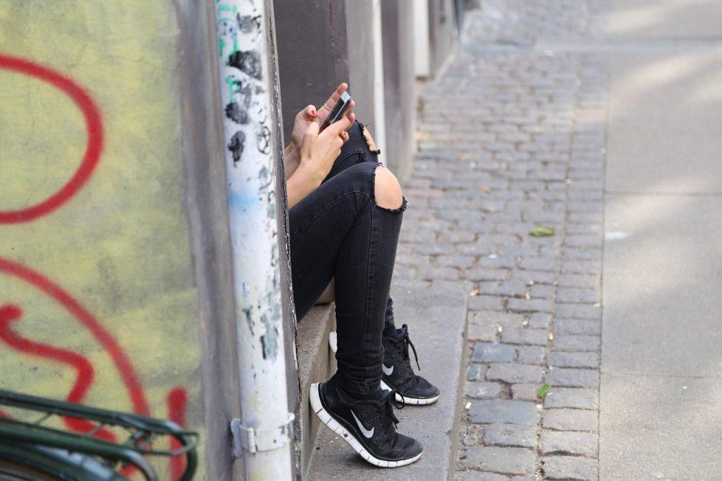 Kaj moramo starši vedeti o spletnem nadlegovanju