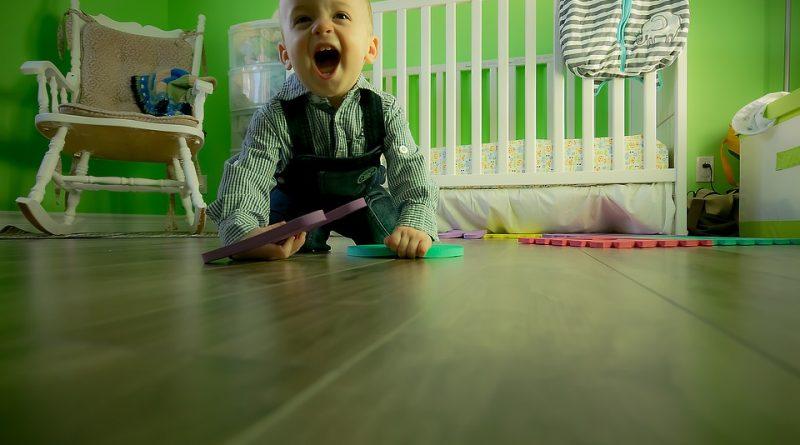 dobra-izbira-igrace-ali-igre-pomaga-k-naravnemu-in-vsestranskemu-razvoju-otroka