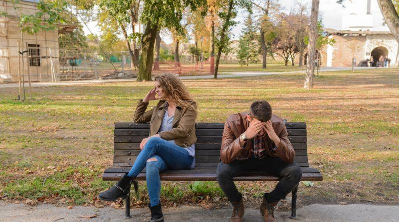 Izhodi kot nevidna ločitev